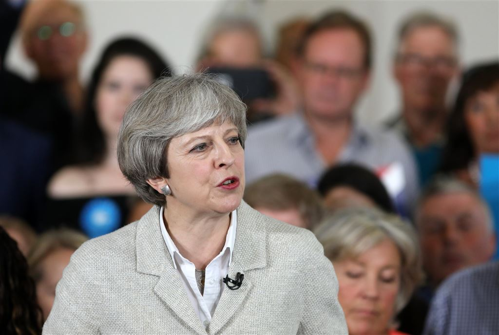 May: geen vertraging begin brexit-gesprekken