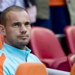 Sneijder start op de bank