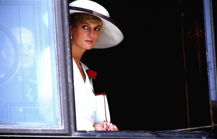D 67351-10  Princess Diana.  Obligatory Credit - CAMERA PRESS / Glenn Harvey.  Archive image of British royal Diana, Princess of Wales (1961-1997), pictured during a visit to Winchester, UK, in 1988.