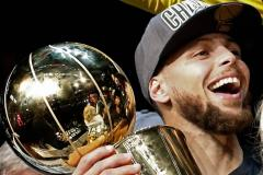 Basketballer Curry belooft Warriors trouw