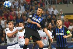 De Vrij helpt Inter met assist langs Spurs