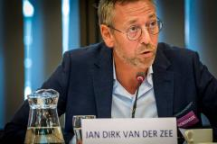 'Wake-upcall voor betaald voetbal clubs'